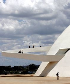 "Oscar Niemeyer, ""The National Museum of the Republic,"" Brasilia, Brazil Museum Architecture, Futuristic Architecture, Architecture Details, Landscape Architecture, Landscape Design, Ramp Stairs, Ramp Design, Guggenheim Bilbao, Modernisme"