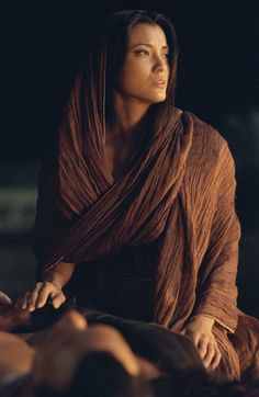 Celebrities, Movies and Games: Kelly Hu as Cassandra - The Scorpion King Movie Stills 2002 Kelly Hu, Female Character Inspiration, Story Inspiration, Character Ideas, Photographie Portrait Inspiration, Portraits, Jolie Photo, Female Characters, Aquarius