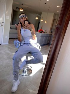 Youtubers, Mom Jeans, Pants, Fashion, Trouser Pants, Moda, Fashion Styles, Women's Pants, Women Pants