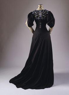 Dress, 1907 - Jeanne Hallée - (metmuseum)
