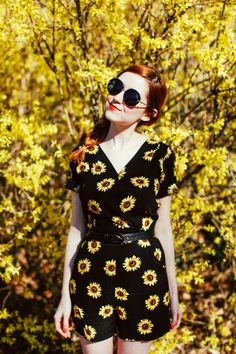 A Clothes Horse: Outfit: Sunflower Sunflower Clothing, Sunflower Dress, Floral Fashion, Bohemian Fashion, Fashion Black, Luanna, Mode Vintage, Classy And Fabulous, Clothes Horse