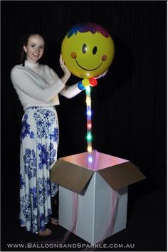 Happy Smiley Face Sparkle Surprize with Multicoloured Ribbon Lites by Sparkle Lites® Led Balloons, Balloon Lights, Led String Lights, Tulle Bows, Organza Ribbon, Ribbon Bows, Balloon Gift, The Balloon, Happy Smiley Face