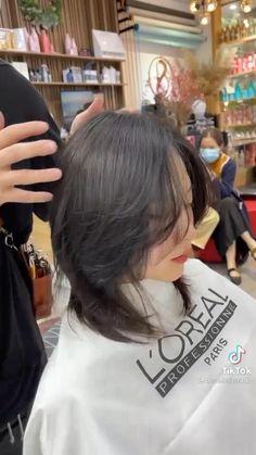 Asian Short Hair, Girl Short Hair, Korean Short Hair Bangs, Korean Haircut Medium, Short Hair Cuts, Japanese Short Hair, Ulzzang Short Hair, Japanese Haircut, Medium Hair Styles