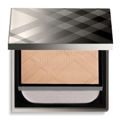 #ITSARRIVED Burberry Beauty Is Officially Available On Feelunique Get The Iconic Burberry Glow With Burberry Skin Fresh Glow Compact Foundation 8g http://www.feelunique.com/p/Burberry-Skin-Fresh-Glow-Compact-Foundation-8g