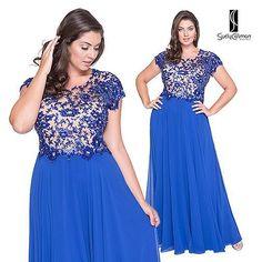 Bom dia com esse azul maravilhoso! Pageant Dresses, Evening Dresses, Formal Dresses, Bridesmade Dresses, Bridesmaid Dress, Plus Size Gowns, Plus Size Outfits, Mom Dress, Lace Dress