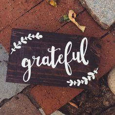 Grateful // minis // wood sign // mini wood sign // thanksgiving // bible verse // rustic decor // mini wood block // thanksgiving decor (9.00 USD) by mimiskiiscreations