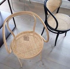like - natural materials, minimal antiques (Thonet Chair) Rattan Dining Chairs, Rattan Furniture, Furniture Design, Room Chairs, Furniture Inspiration, Interior Design Inspiration, Wooden Armchair, Stylish Chairs, Take A Seat