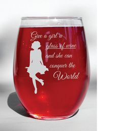 Deep Engraved Dishwasher Safe Marilyn Monroe - Give a Girl a Glass of Wine and she can conquer the world - Personalized Wine Glass - Marilyn