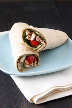 These quick, easy, and fresh Chicken Caprese Sandwich Wraps are made with all natural Sargento sliced cheese and are perfectly portable for lunch on the go! Healthy Menu, Healthy Snacks, Healthy Recipes, Healthy Sandwiches, Wrap Sandwiches, Caprese Chicken, Chimichanga, Fresh Chicken, Maine