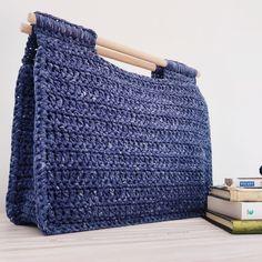 Maxi Bolso a Crochet - Tutorial paso a paso GRATIS! https://youtu.be/gSXHTwOGDGo Ahuyama Crochet