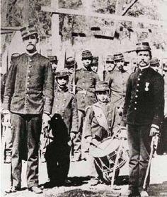 Niños participando como grumetes en contexo de la guerra del pacífico War Of The Pacific, American War, Light And Shadow, Bolivia, Peru, Army, Memes, Homeschooling, 19th Century