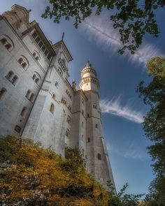 Seeing as I am in Germany at the moment, why not share one of the most amazing Castles they have to offer, Castle Neuschwanstein. World Most Beautiful Place, Wonderful Places, Beautiful Places, Neuschwanstein Castle, Castle House, Beautiful Castles, Bavaria Germany, Fantasy World, Palaces