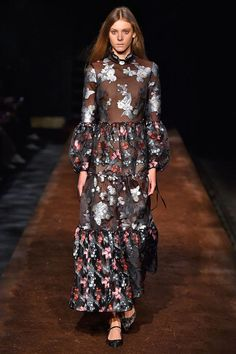 10 Weird-But-Worth-It Trends From London Fashion Week #refinery29  http://www.refinery29.com/2015/09/94510/london-fashion-week-spring-2016-runway-trends#slide-6  Erdem...