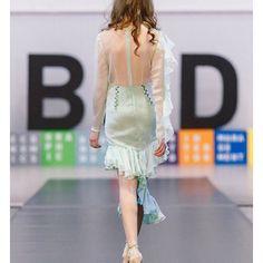 Понедельник нужно начинать с хорошего настроения и красивого платья;) Желаем всем чудесного дня✨ ___________________________________________ #fashion #fashiodress  #russiandesigner #dlorem