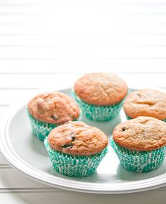 Vanilla chocolate chunk muffins are so decadent, you'd think they were dessert instead of breakfast. I've always wanted to be the person who is amazing at making muffins. When neighbors move in, I'...