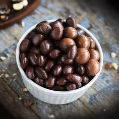 Chocolate coated almonds, macadamias and licorice. Yummy Organic Easter ideas from – Try not to eat your screen! Chocolate Coating, Easter Ideas, Almonds, Organic, Vegetables, Eat, Food, Products, Essen