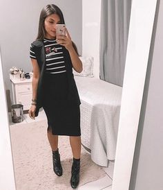 Como Usar Saia com Bota Modest Wear, Modest Outfits, Modest Fashion, Cute Outfits, Fashion Outfits, Spring Work Outfits, Christian Clothing, Western Outfits, Elegant Outfit