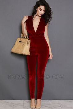 Be in the current fashion, wearing the modish velvet jumpsuit. Sleeveless with skinny leg fit making the legs look as good as ever. Revealing chest with V-Neckline. Diva Fashion, Red Fashion, Fashion Outfits, Womens Fashion, African Fashion, Red Top Outfit, Valentine's Day Outfit, Dress Attire, Dress Up