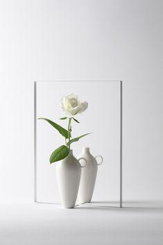 vase-vase / vase-vase鏡に写っているいるように見える一輪挿し