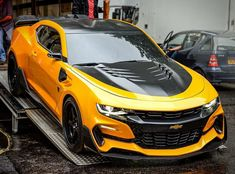Tuned Yellow and Black Chevrolet Camaro - Bumblebee. Car from the Transformers movie in London movie set place 2019 Camaro, Camaro Car, Chevrolet Camaro, Jeep Cars, Us Cars, Cool Sports Cars, Sport Cars, Yellow Camaro, Transformers Cars