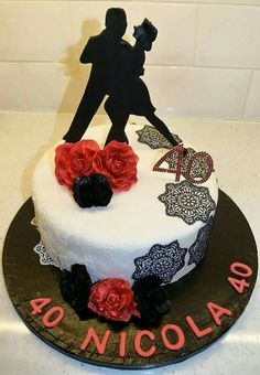 Tango Dancers cake Music Birthday Cakes, Dancer Cake, Musica Salsa, Cupcake Cakes, Cupcakes, Tango Dancers, Latin Dance, No Bake Cake, Pastel