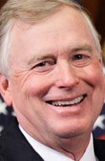Dan Quayle ( ) - the Vice President of the United States, under President George W. Bush who is currently the chairman of global investments at Cerberus Capital Management - born on Tuesday, February 1947 in Indianapolis City, Indiana, United States Dan Quayle, Presidents Usa, Personality Profile, Cerberus, Vice President, Portrait Photo, Terms Of Service, Indiana, Tuesday