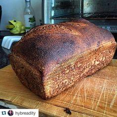 100% @1847flours whole wheat pan loaf! Thanks for sharing @hybreadity #breadbaking #organic #ontariograins #wholewheat @foodlandontario #1847stonemilling