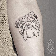 O universo da tatuagem é repleto de estilos bem diferentes entre si. De maori à old school, o que não falta é criatividade na hora de deixar marcado algo na pele do nosso corpo. Confira: