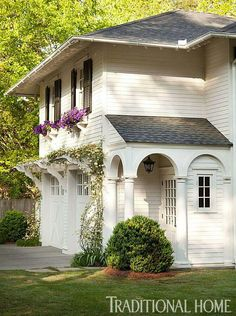 I'm officially adding a carriage house with an arbor of roses to my dream house wish list 🍃 Image Architecture Photography Design Exterior, Garage Design, Exterior Paint, House Design, Garage Exterior, Garage Entry, Style At Home, Garage Trellis, Garage Pergola