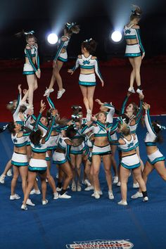 Cheer Extreme SSX - NCA Love this transition!