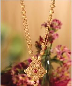 bridal sets & bridesmaid jewelry sets – a complete bridal look Gold Jewelry For Sale, Simple Jewelry, Gold Jewellery Design, Fancy Jewellery, Diamond Jewellery, Handmade Jewellery, Silver Jewellery, Bridesmaid Jewelry Sets, Pendant Jewelry