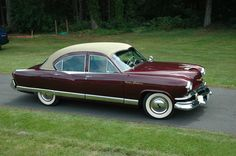 1953 Kaiser Dragon - what a beauty. Still very round-y, but the style and color is gorgeous