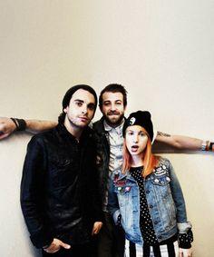 """Paramore é entrevistado pelo jornal Metro Xpress, O jornal dinamarquês Metro Xpress fez uma divertida entrevista com o Paramore contando com perguntas sobre a passagem da banda pela Dinamarca e um """"jogo"""" em que a banda completaria as frases do repórter."""