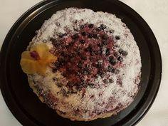 graceland: Primul meu tort raw-vegan cu afine si vanilie #retetameacucocos și #vegisro