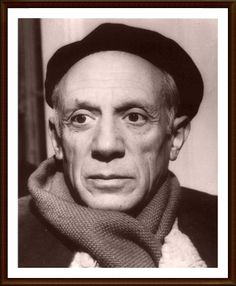 1.PABLO PICASSO (1881-1973) – Picasso, con la posible excepción de Miguel Ángel ningún otro artista mostró tal ambición a la hora de situar su obra dentro de la historia del Arte. Picasso creó las vanguardias. Picasso destruyó las vanguardias. Miró atrás a los grandes maestros y los superó cuando se lo propuso. Se enfrentó a toda la historia del Arte y redefinió de su propia mano la tortuosa relación entre obra y espectador.
