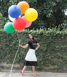 Blog Caca Dorceles. 2015. Meu Look: T-shirt com Saia Midi. Zara t-shirt + Fátima Scofield midi skirt + Schutz sandals + Zara bracelet.