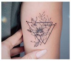 Cover Tattoo, Mini Tattoos, Small Tattoos, Cool Tattoos, Simplistic Tattoos, Feminine Tattoos, Lotus Flower Tattoo Design, Geometric Flower Tattoos, Incredible Tattoos