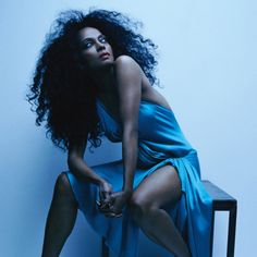 Diana Ross. Diva in blue. Gorgeous!