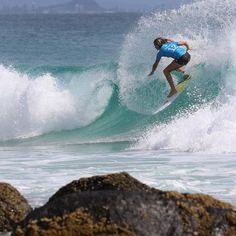 Sunshine Coasts Keely Andrew during the Gold Coast Roxy Pro.  @keelyandrew  #keelyandrew #roxypro #snapperrocks #goldcoast #surfing #prosurfing #sport #surfphotography #surf #coolangatta #qld #quiksilver #australia #surfboard  #visitgoldcoast #thisisqueensland #discoveraustralia #wsl #worldsurfingleague by kazlindsay