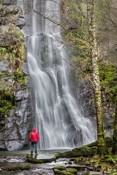 """In Galician """"Seimeira or Fervenza"""" means Waterfall, and this is the know as Vilagocende. Is very near to Fonsagrada (Lugo, Spain) and with a fall of approximately 50 m is one of the biggest of the whole province"""