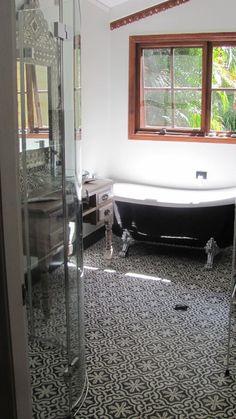 Bathroom tiles Handm