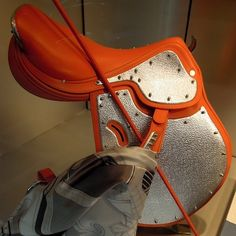 Orange Hermes saddle. Now, how do I get one?