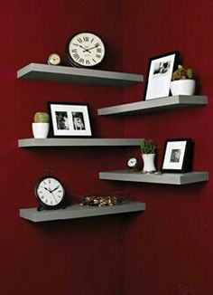 8 Intelligent Cool Tips: One Floating Shelf Decor floating shelves shoes.How To Decorate Floating Shelves Tutorials floating shelf design drawers.Floating Shelf Above Bed Area Rugs. Diy Corner Shelf, Corner Shelves Bedroom, Bedroom Desk, Diy Bedroom, Living Room Corner Decor, Red Bedroom Decor, Living Rooms, Corner Couch, Shelving In Living Room