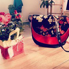 Firla Laeticia sur Instagram: Dernière création fleurie, Sac et Snood assorti. Tissu fleuri et bouclerie #lamerceriedescreateurs , patron Musette de chez #sacôtin et…