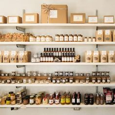 Showroom Interior Design, Cafe Interior, Interior Architecture, Cafe Design, Store Design, Boutique Decor, Retail Boutique, Apothecary Decor, Herbal Store