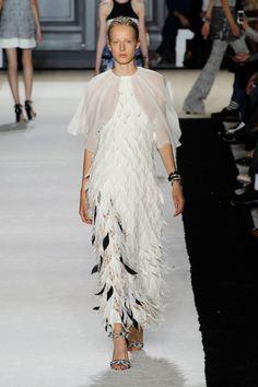 Giambattista Valli at Paris Fashion Week Spring 2015. // FLAT 128
