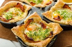 Try Greenridge Farm's delicious ham, egg and cheese pastry cup recipe! Featuring our Caminito Ham, these savory cups are perfect for breakfast or brunch! Bacon Breakfast, Breakfast Pastries, Breakfast Dishes, Breakfast Casserole, Best Breakfast, Breakfast Recipes, Croissant, Cheese Pastry, Breakfast Options