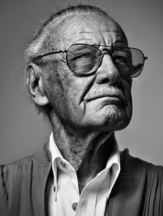 Stan Lee by Les Ravageurs Stan Lee, Robin Williams, Black And White Portraits, Black And White Photography, Old Faces, Face Expressions, Celebrity Portraits, Marvel Dc Comics, Male Face