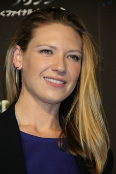 Anna Torv, Pictures Of Anna, I Love Girls, Woman Crush, Celebrity Crush, Actors & Actresses, Singer, Celebs, Portrait