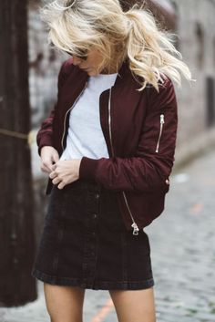 Wine bomber with basic outfits - ideal for autumn trendy look